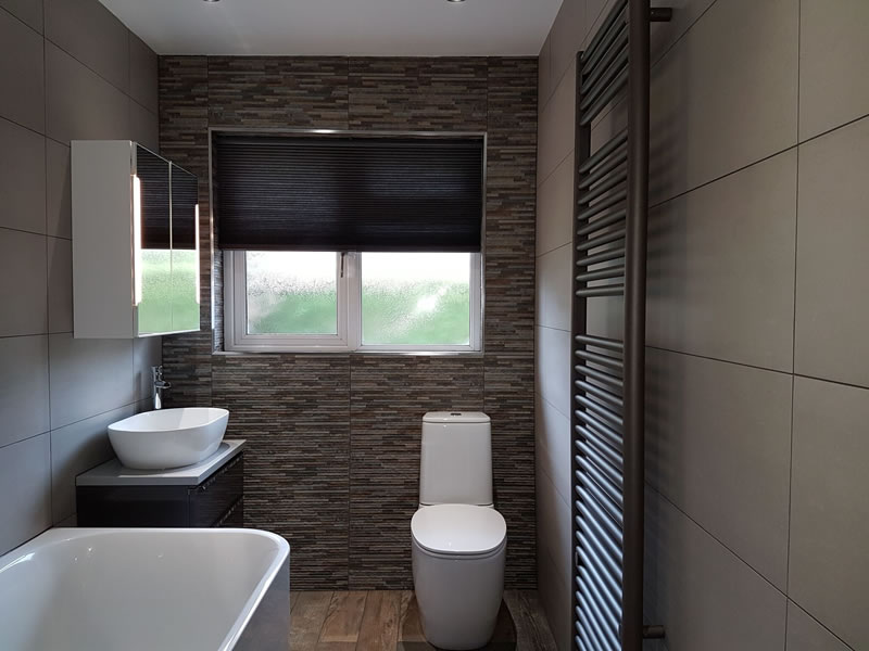 Huddersfield bathroom ultimate wetrooms for Small bathroom design 2m x 2m